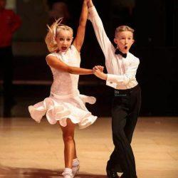 סטודיו לריקודים סלוניים